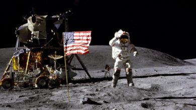 Ay'daki Ayak İzleri Gerçek Mi?